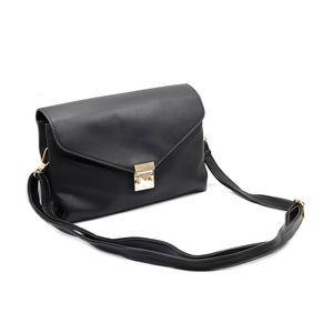 Black envelope leather purse